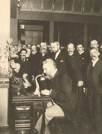Bell en la apertura de la línea de larga distancia desde Nueva York a Chicago en 1892